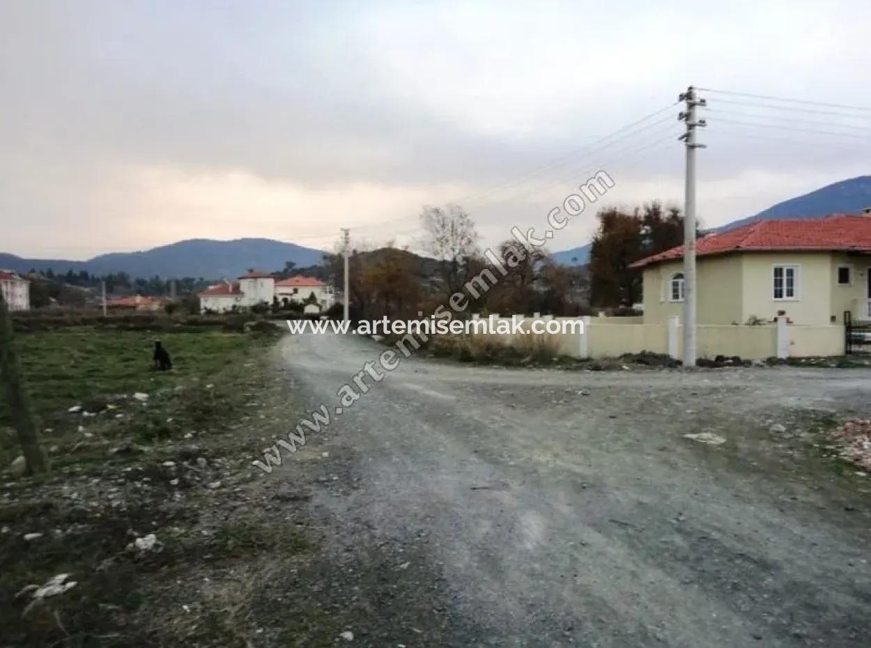 Dalaman Merkez De Çağlayan Mah. Satılık Kuzey Cepheli 452 M2 Arsa.