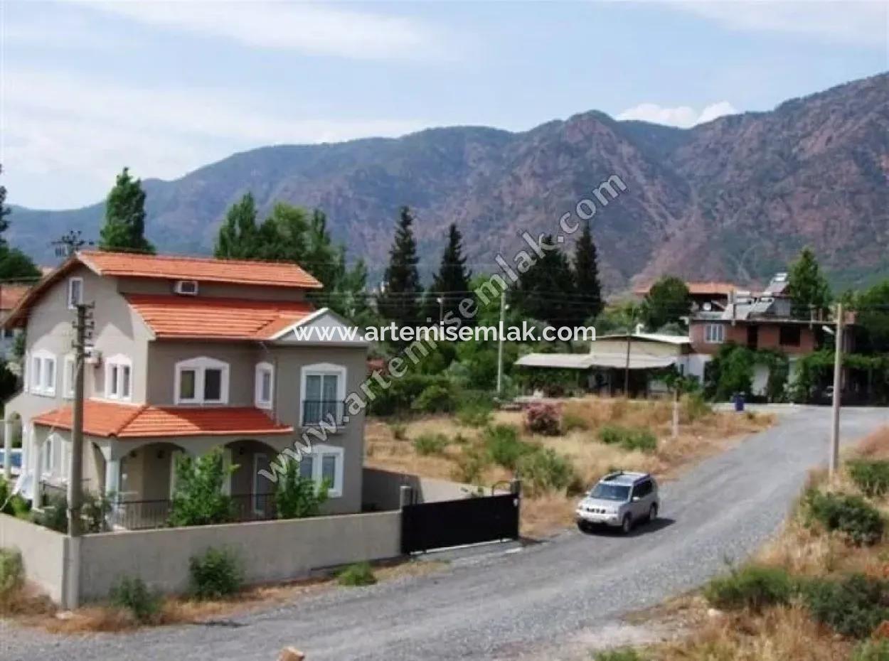 Muğla Köyceğiz'De 540 M2 Arsa İçerisinde Trıplex Villa.