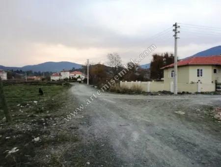 Dalaman Merkez De Çağlayan Mah. Satılık Kuzey Cepheli 560 M2 Arsa.